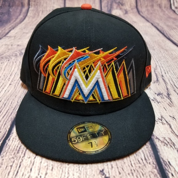 the latest 63566 77b9c New Era 59FIFTY Miami Marlins Ball Hat Size 7.5